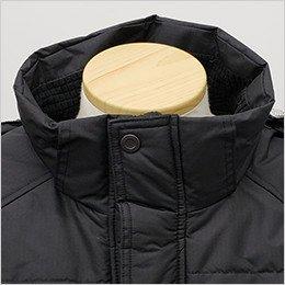 寒気の侵入を防ぐ二重前立て