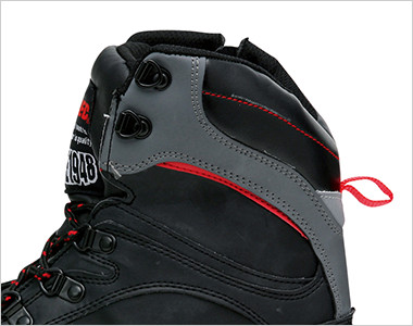 履き口にはウレタンフォームのクッション入りでソフトな足当たりです。