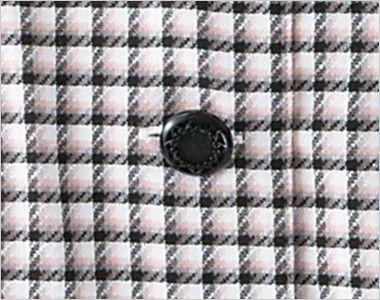 en joie(アンジョア) 26390 丸襟とポケットのリボンがかわいいチェック柄オーバーブラウス 高級感のある模様が印象的な黒ボタン